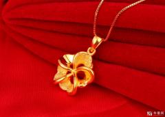 黄金转运珠回收平常怎样穿比拟美观?