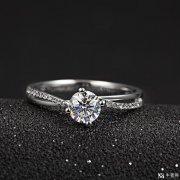 购买铂金戒指比黄金戒指贵?回收保值吗?